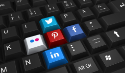 What do you understand by social media manager skills?